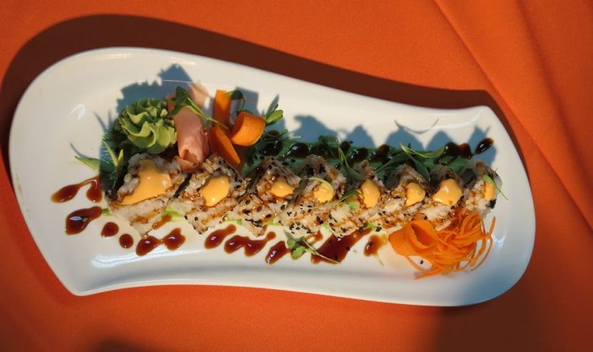 Sushi de pez león